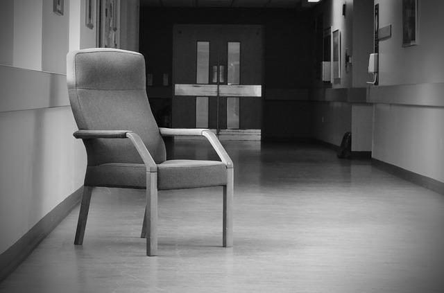 chairs-164691_640.jpg