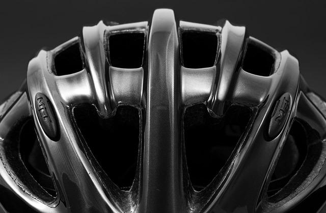helmet-14732_640.jpg