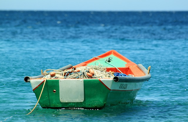 boat-207129_640.jpg