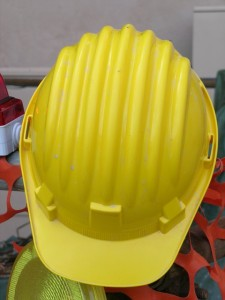 construction-helmet-337454_640