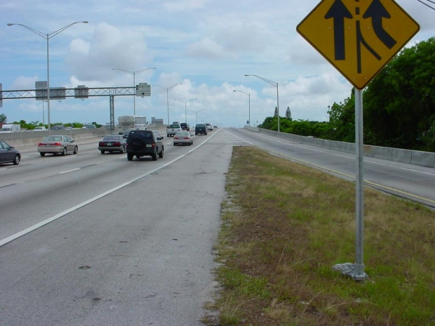 Highway Dangers for Trucks in Hollywood and South Florida \u2014 Florida Injury Lawyer Blog \u2014 March 9