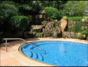 pool-300x228