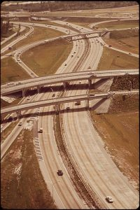400px-FREEWAY_INTERCHANGE_NORTH_OF_MIAMI_-_NARA_-_544642