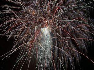 800px-Fireworks_public_domain_image