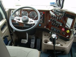 800px-Truck_cab-300x225