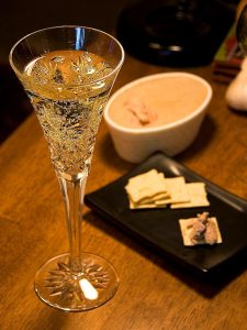 Champagne_and_pate