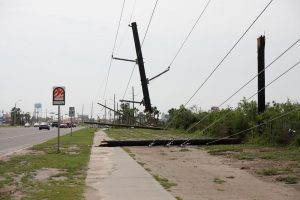 800px-FEMA_-_37240_-_Down_power_lines_in_Texas-300x200