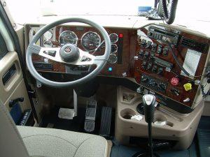 800px-Truck_cab-300x225